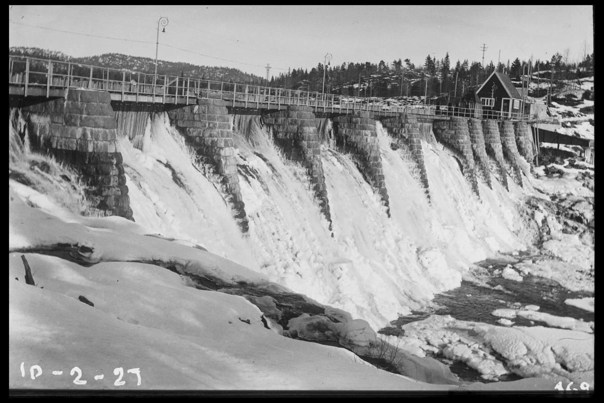 Arendal Fossekompani i begynnelsen av 1900-tallet CD merket 0565, Bilde: 1 Sted: Haugsjå Beskrivelse: Nedenfor dammen