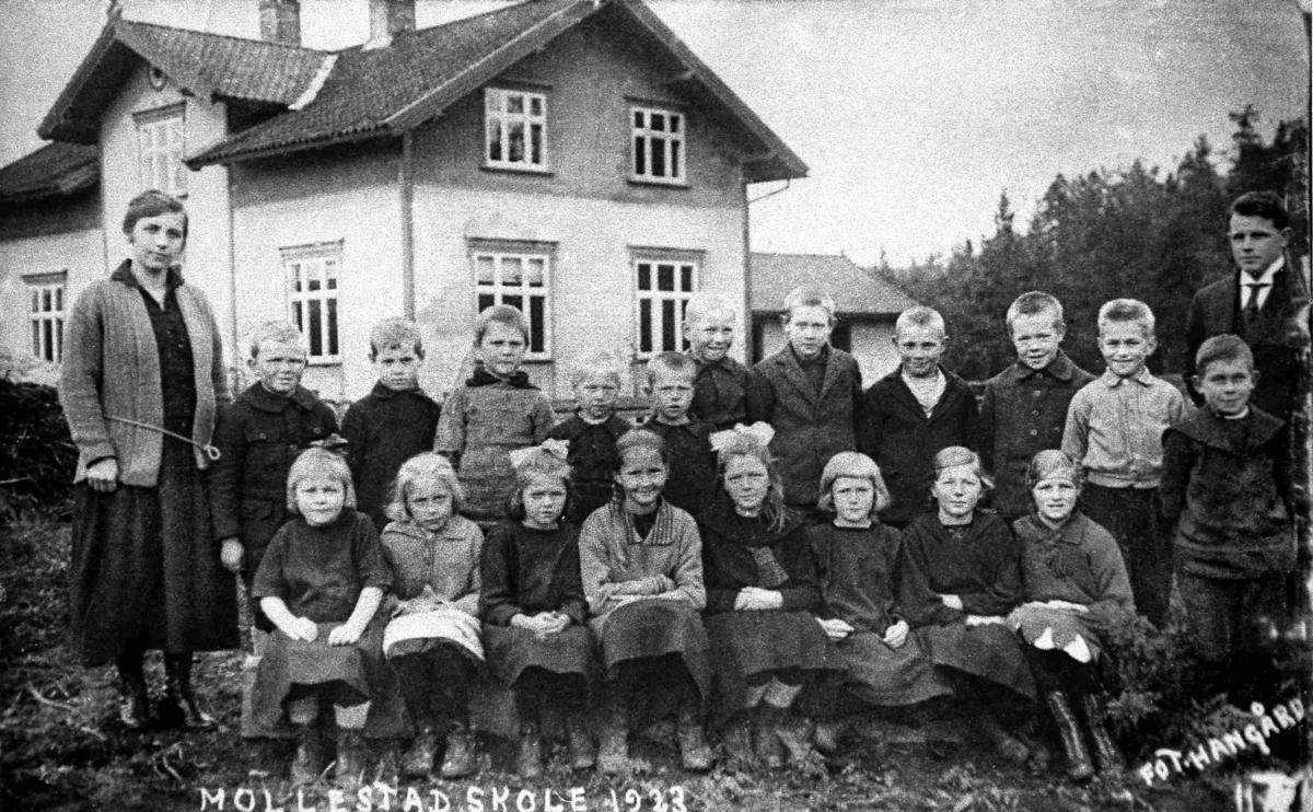 Bilder fra Birkenes kommune Mollestad skole 1923