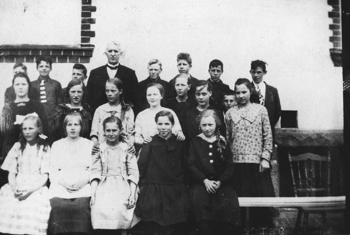 Elever ved Kontra skole ca. 1921