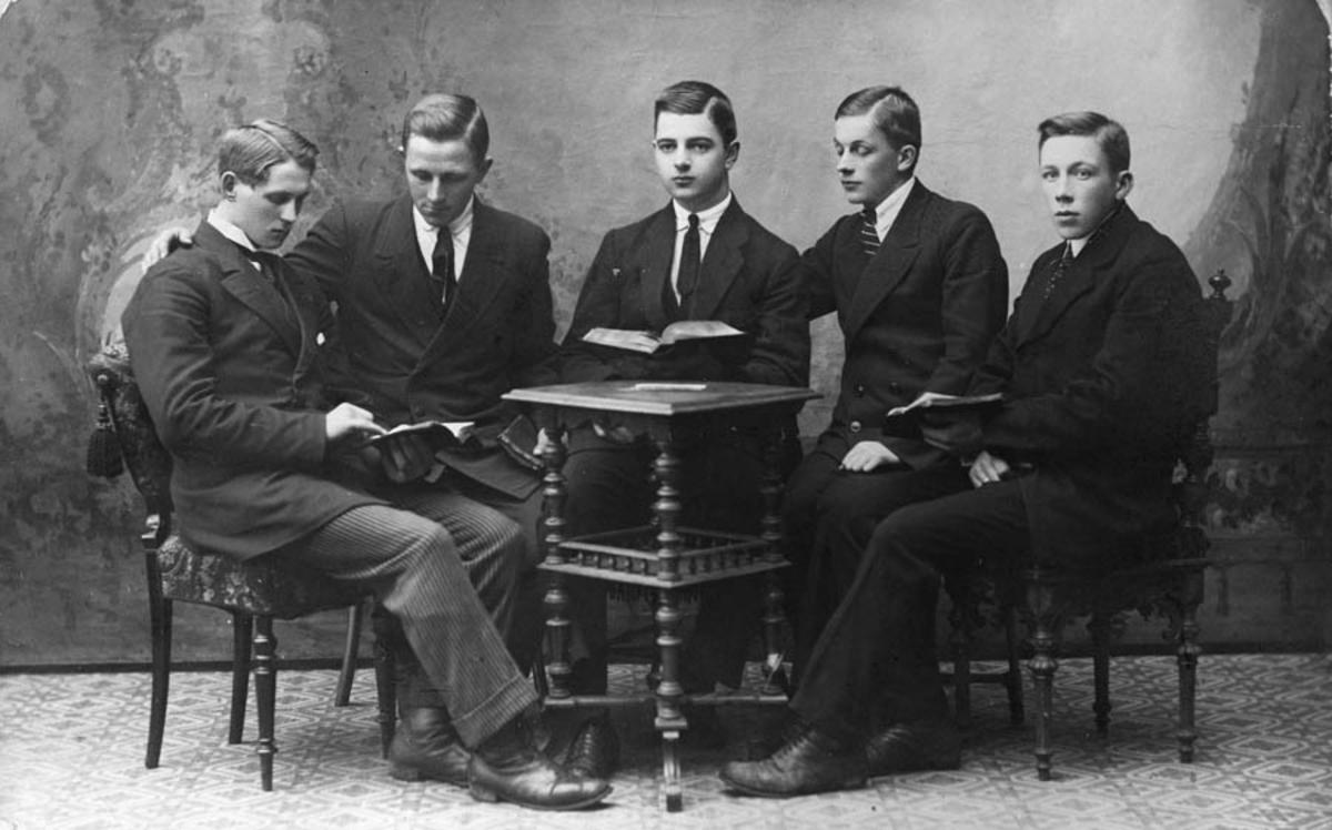 5 menn driver Bibelstudium.