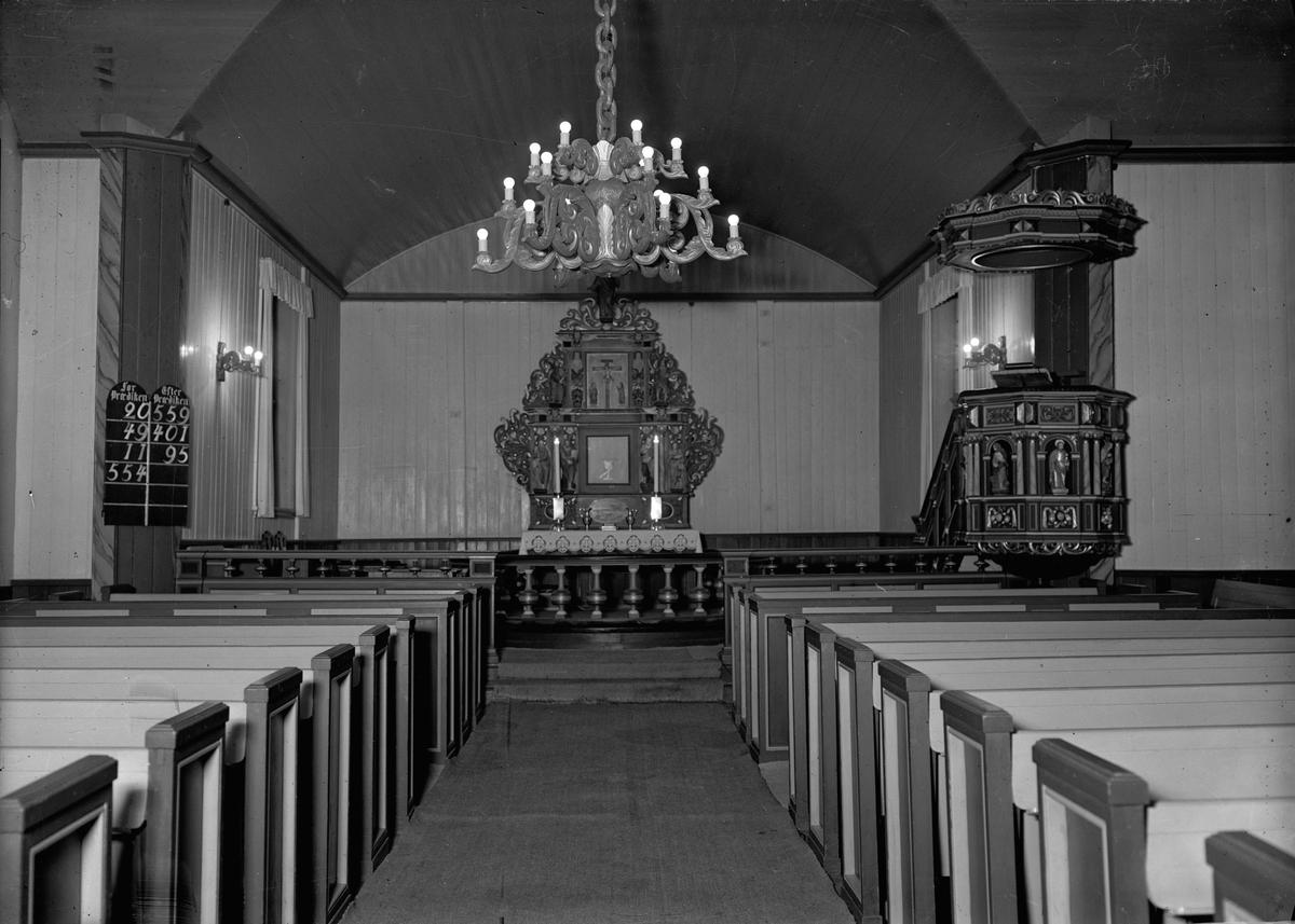 Interiør fra Fenstad kirke i Nes