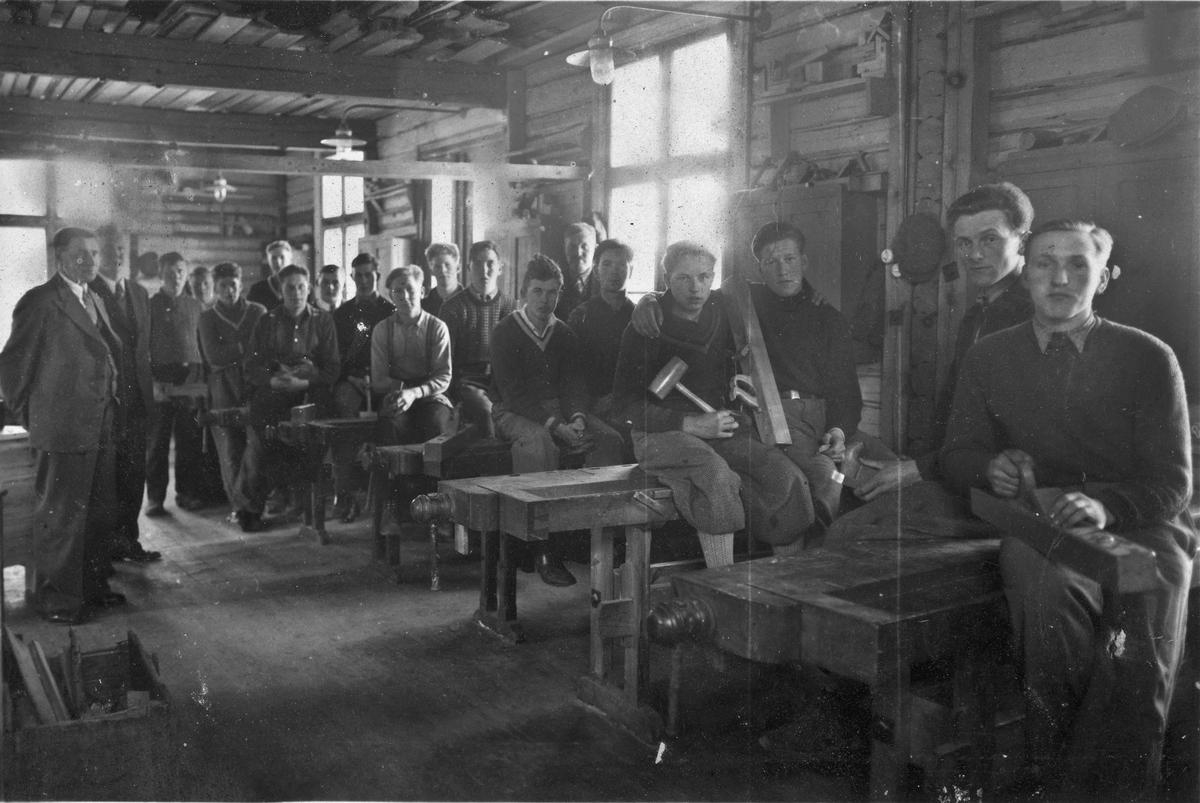 Fra Eidsvoll Arbeidsskole på Holstangen. Før krigen.