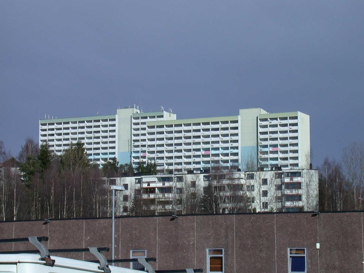 Skåreråsen panorama med høyblokker Fotovinkel: NØ