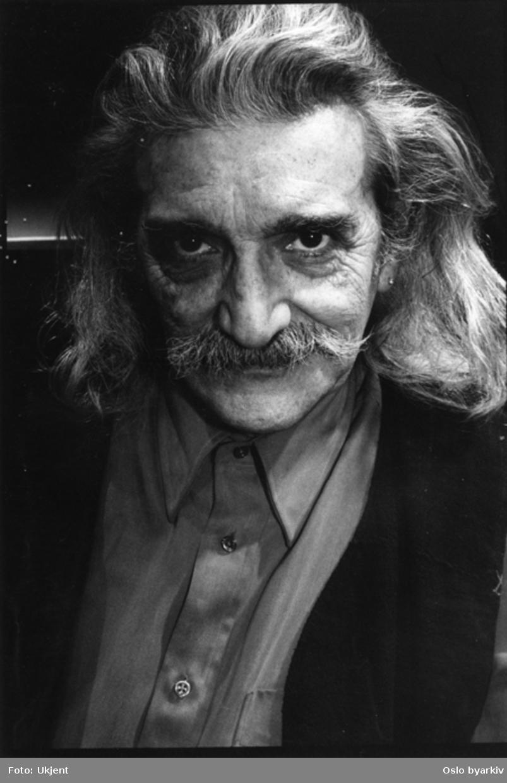 Portrait av Rocco Petruzzi.Kontakt Nordic Black Theatre ved ev. bestilling av kopier.