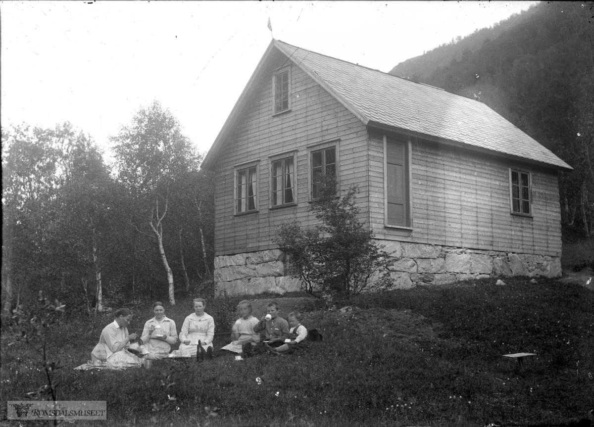 Fosshjem .(Edvard var i Amerika fra april 1896 til desember 1910)