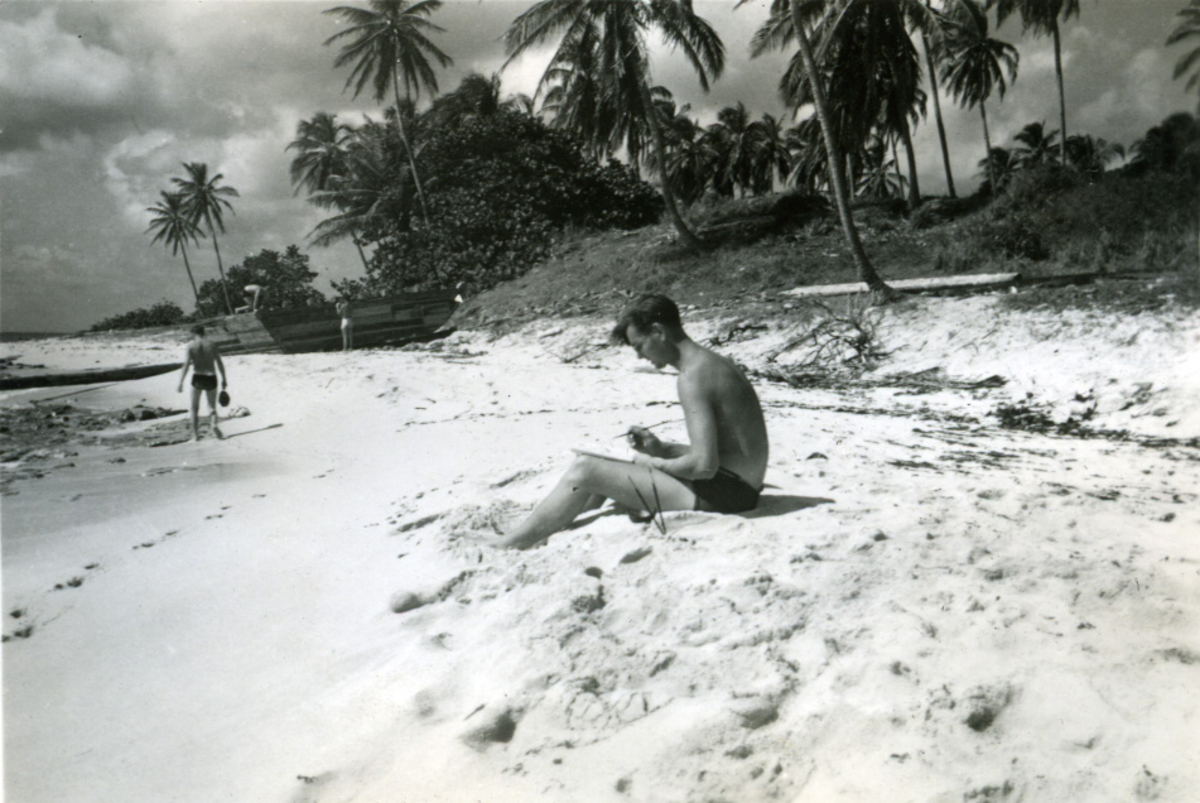 Album Ubåtjager King Haakon VII 1942-1946 Forskjellige bilder. Johs Thorsen, Swan Island 05.10.1945.