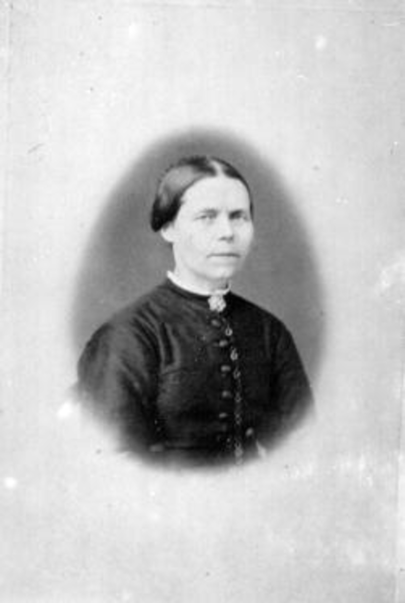 Oline Andersdatter Presterud (1826-1907), Helgøya.