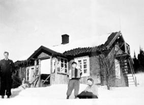 Petter Rosenberg, Arvid Rosenberg, med trekkspill, Synnøve Rosenberg, Lierhagen, Vang H.