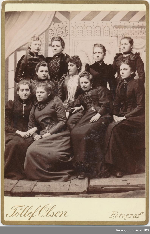 Gruppebilde, kvinner, 1892