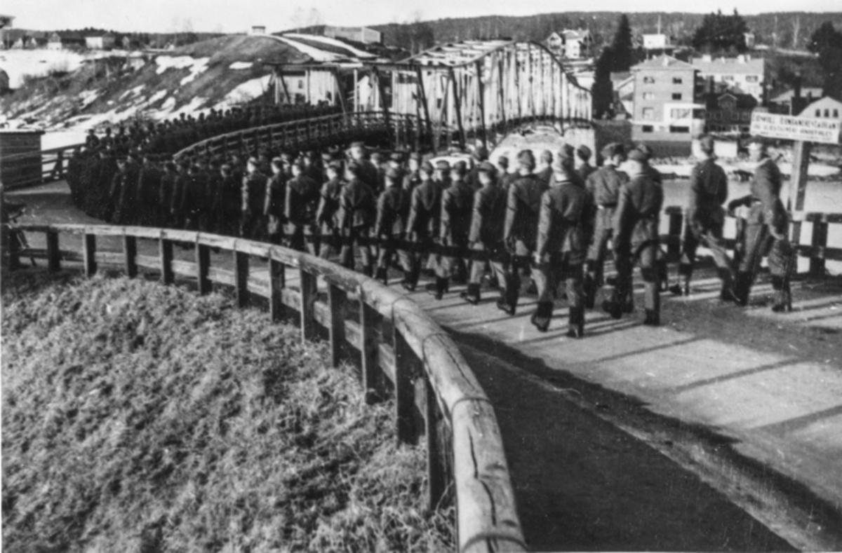Tyskere på vei til Sundet.