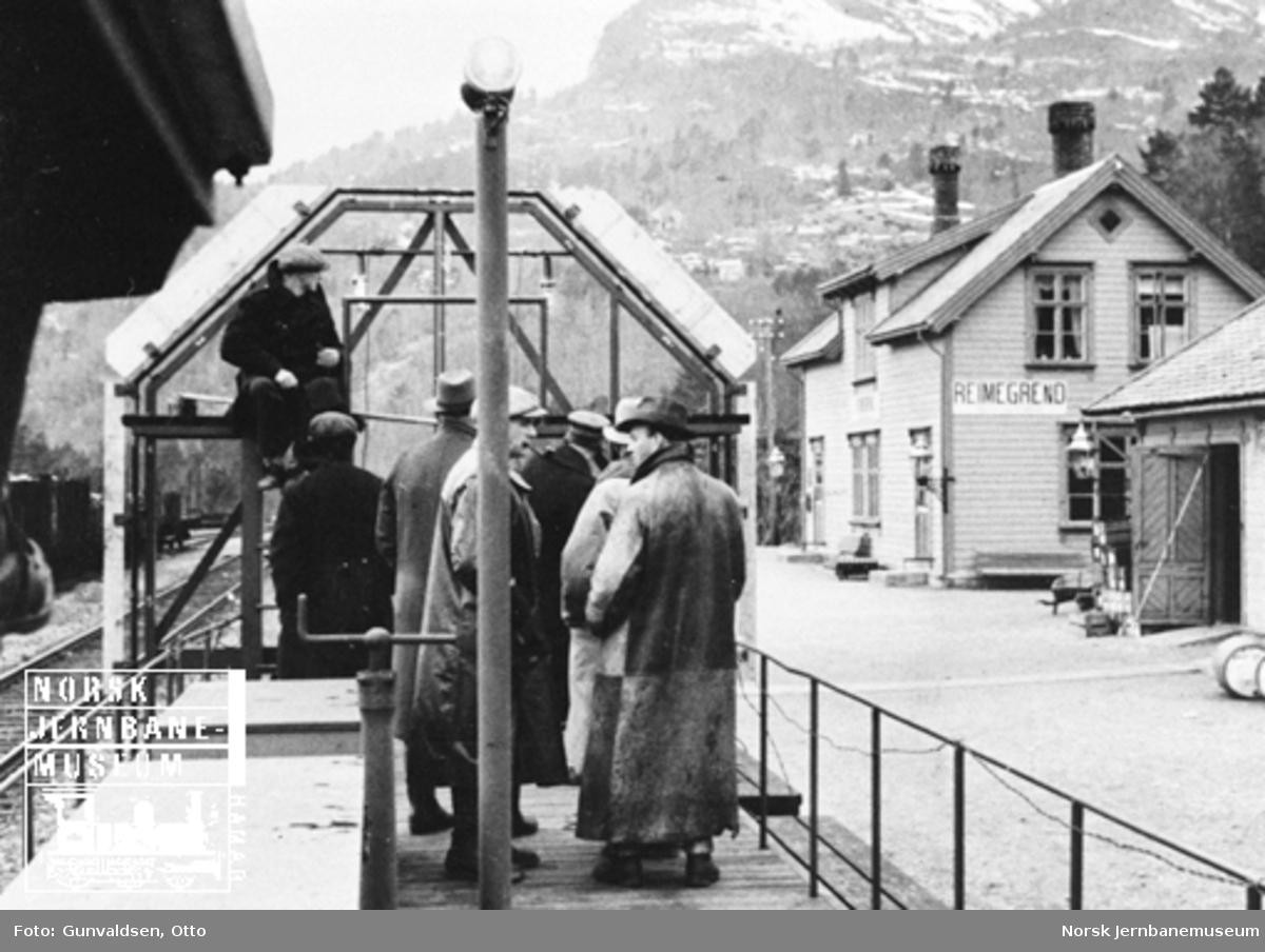 Profilvogn på tur til Bergen for å undersøke om ny stålvogn kan trafikkere linjen