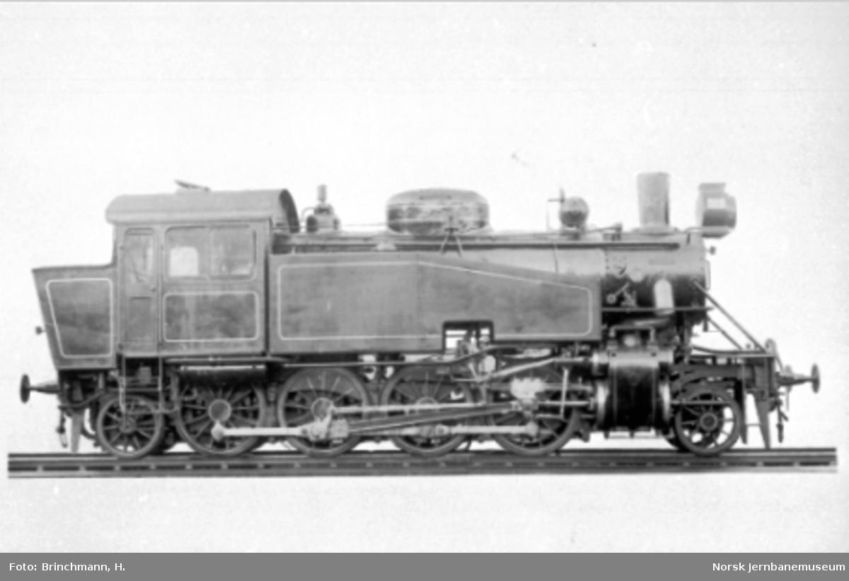 Damplokomotiv type 34a nr. 329 som nytt