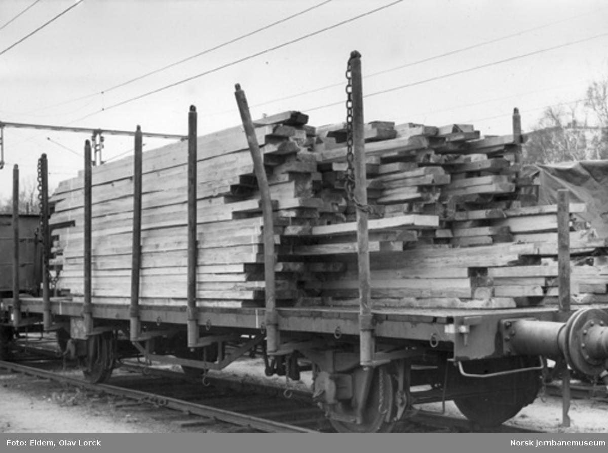 NSB plattformvogn litra T4 nr. 4311 lastet med tømmer
