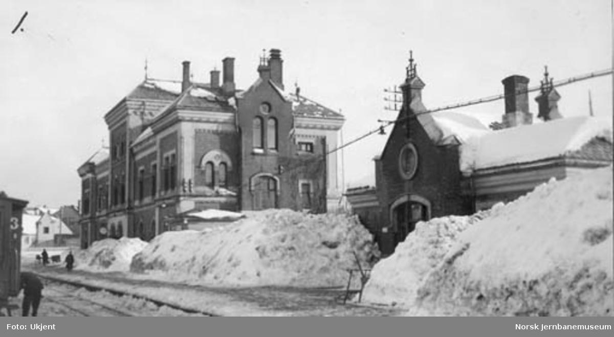 Kristiansand stasjon snøvinteren 1937