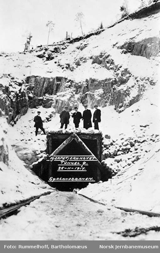 Jerpetjern tunnel under bygging