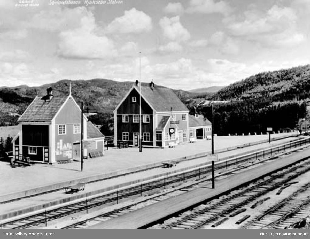 Hjuksebø stasjon
