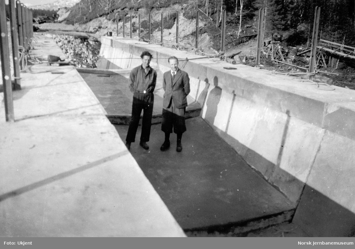 Bygging av Grønfjellåga bru : avd.ing. Odd M. Fiskaa og Gunnar Haugerud