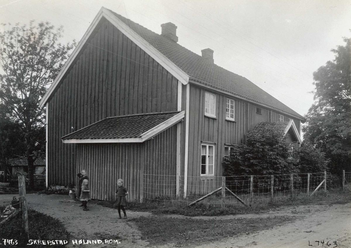 serie med norsk folkemuseums fotografier av gjenstander i andres