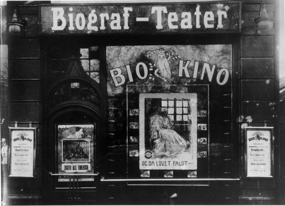 """""""Bio-Kino"""", Stortingsgata 14, Oslo. Kinoen åpnet 04.12.1911, ifølge anmeldelse i Morgenbladet. Fotografert 1912."""