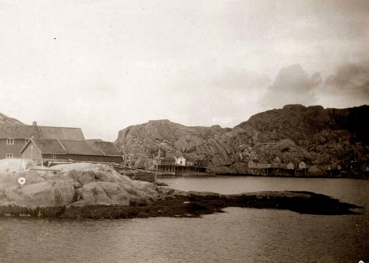 Fiskevær, Mortsund, Vestvågøy, Nordland. Fotografert 1905.