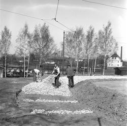 Omlegging av trikkeskinner, Gamlebyen, Oslo 1956.