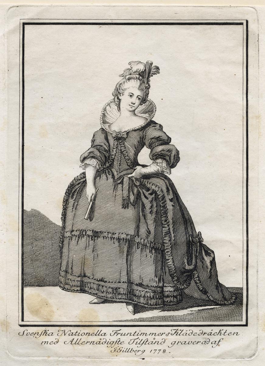 """Gustaf III:s nationella dräkt. """"Svenska Nationella Fruntimmers Klädedräckten"""". Gravyr från 1778 av Jacob Gillberg (1724-1793)"""
