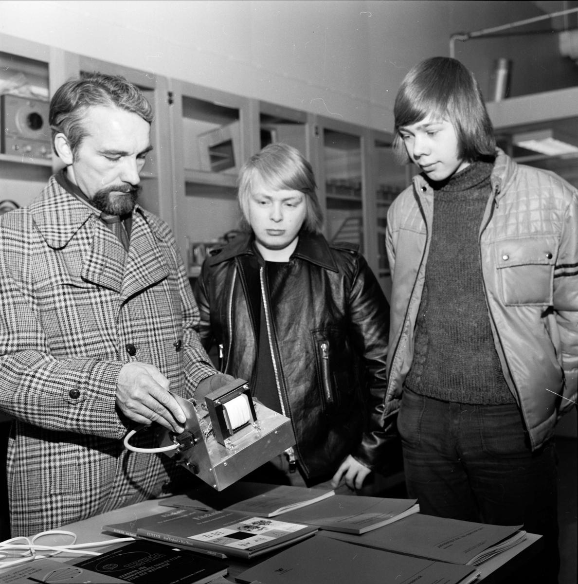 Gymnasieelever från Öland på Tierpsbesök, Tierp, Uppland februari 1973