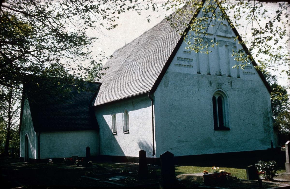 Härnevi kyrka, Härnevi socken, Uppland