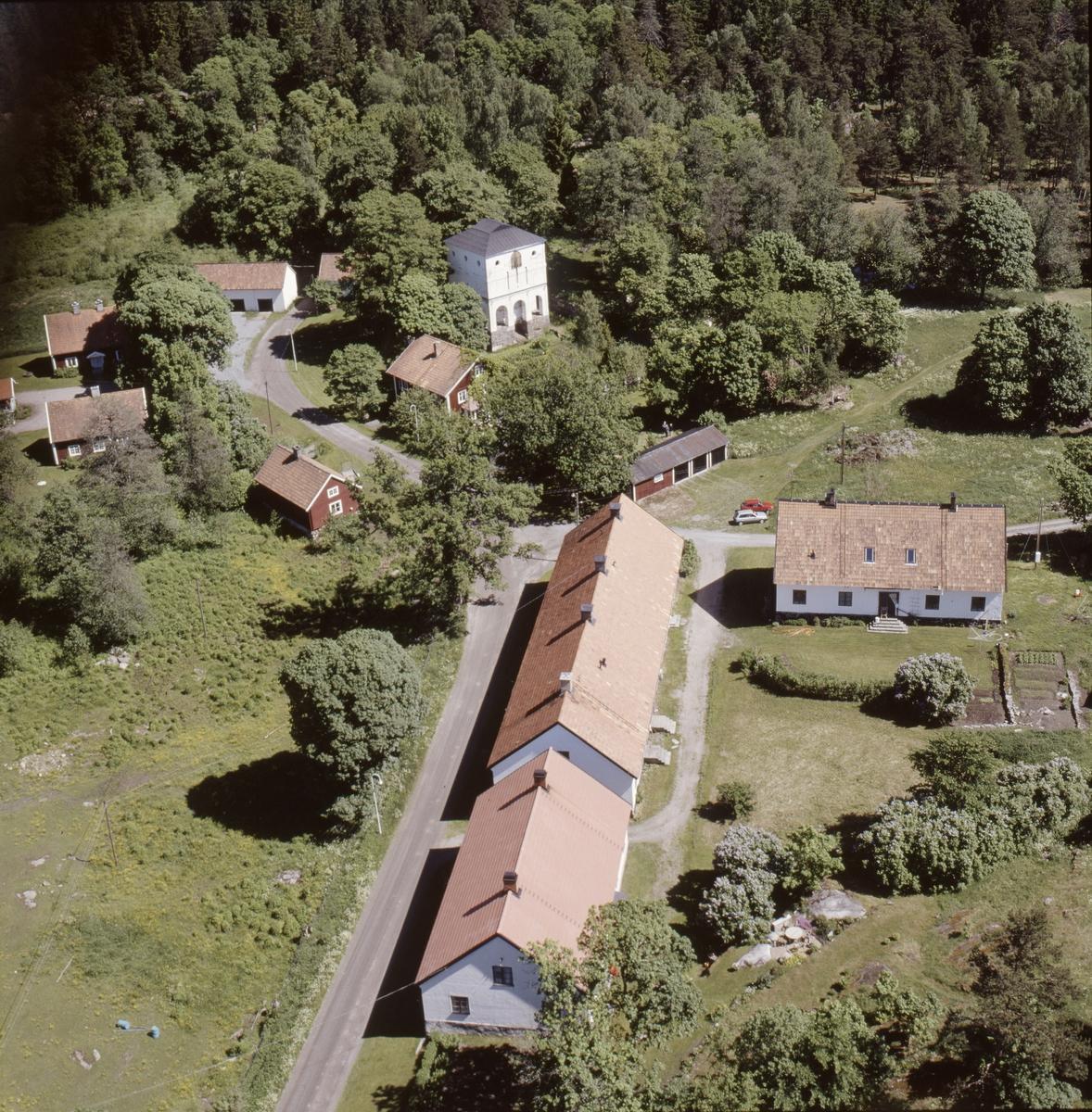 Vy över Vällnora bruk vid Norrsjön, Kuntby socken, Uppland, juni 1989