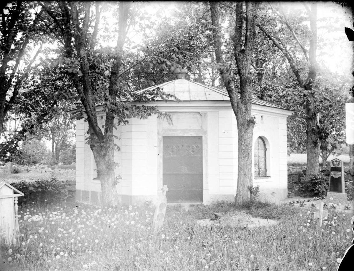 Gravkapellet vid Funbo kyrka, Funbo socken, Uppland