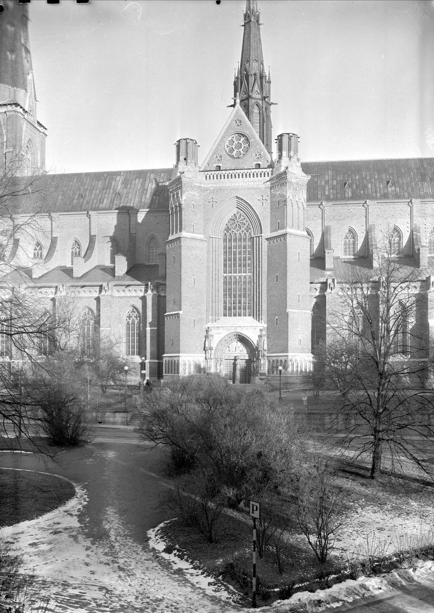 Uppsala domkyrka från Riddartorget, Uppsala
