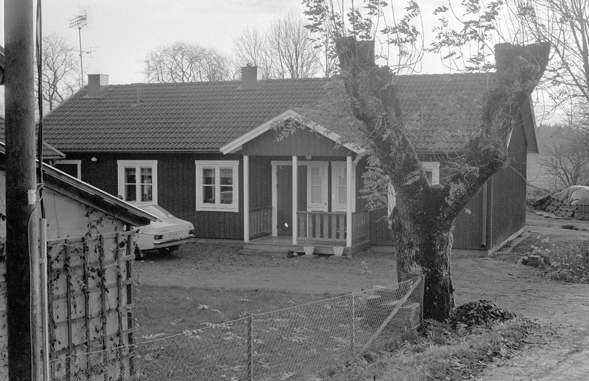 Bostadshus med garage, Ubby, Dalby socken, Uppland 1984