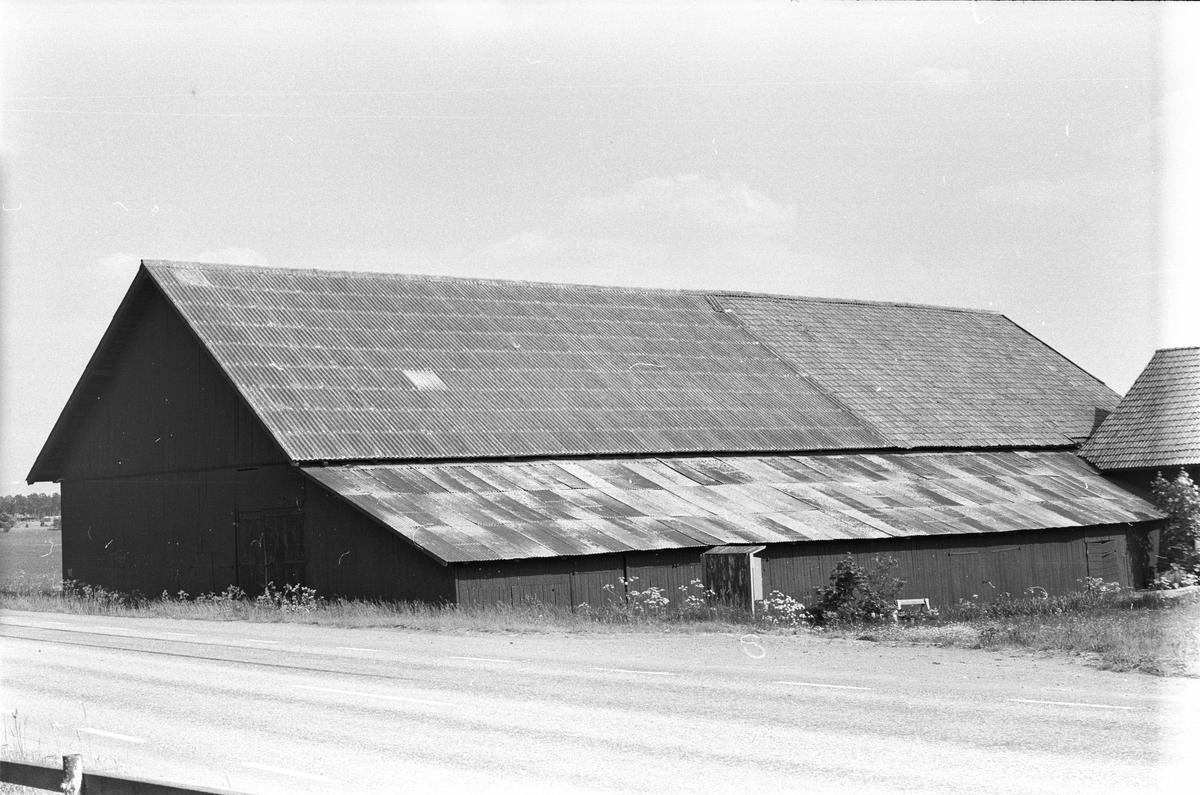 Lada, Österby gård, Österby, Läby socken, Uppland 1975