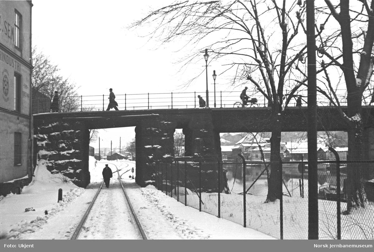 Elektrifisering av Østfoldbanen : bru over jernbanen i Halden