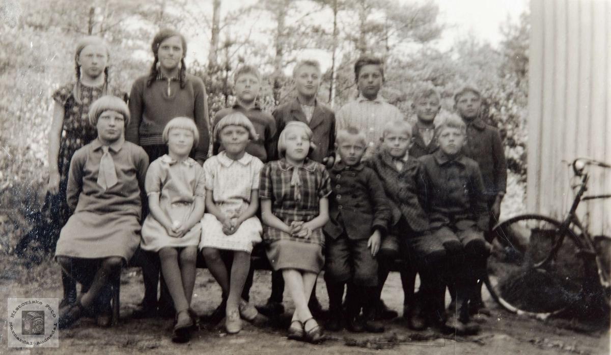 Skolebilde fra Ågedal Skole, Bjelland, nå Audnedal.