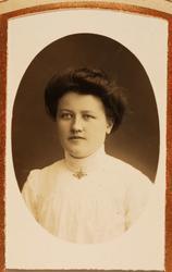 Portrett av Kari Bransdal fra Grindheim.