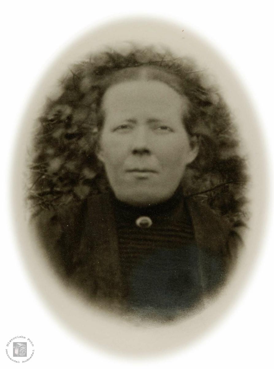 Portrett av Ingeborg Refsnes i Grindheim, gift til Valand i Konsmo.