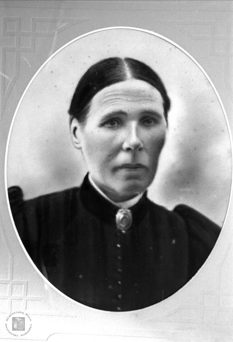 Portrett av Asborg Birkeland, gift Kaddan, Laudal.
