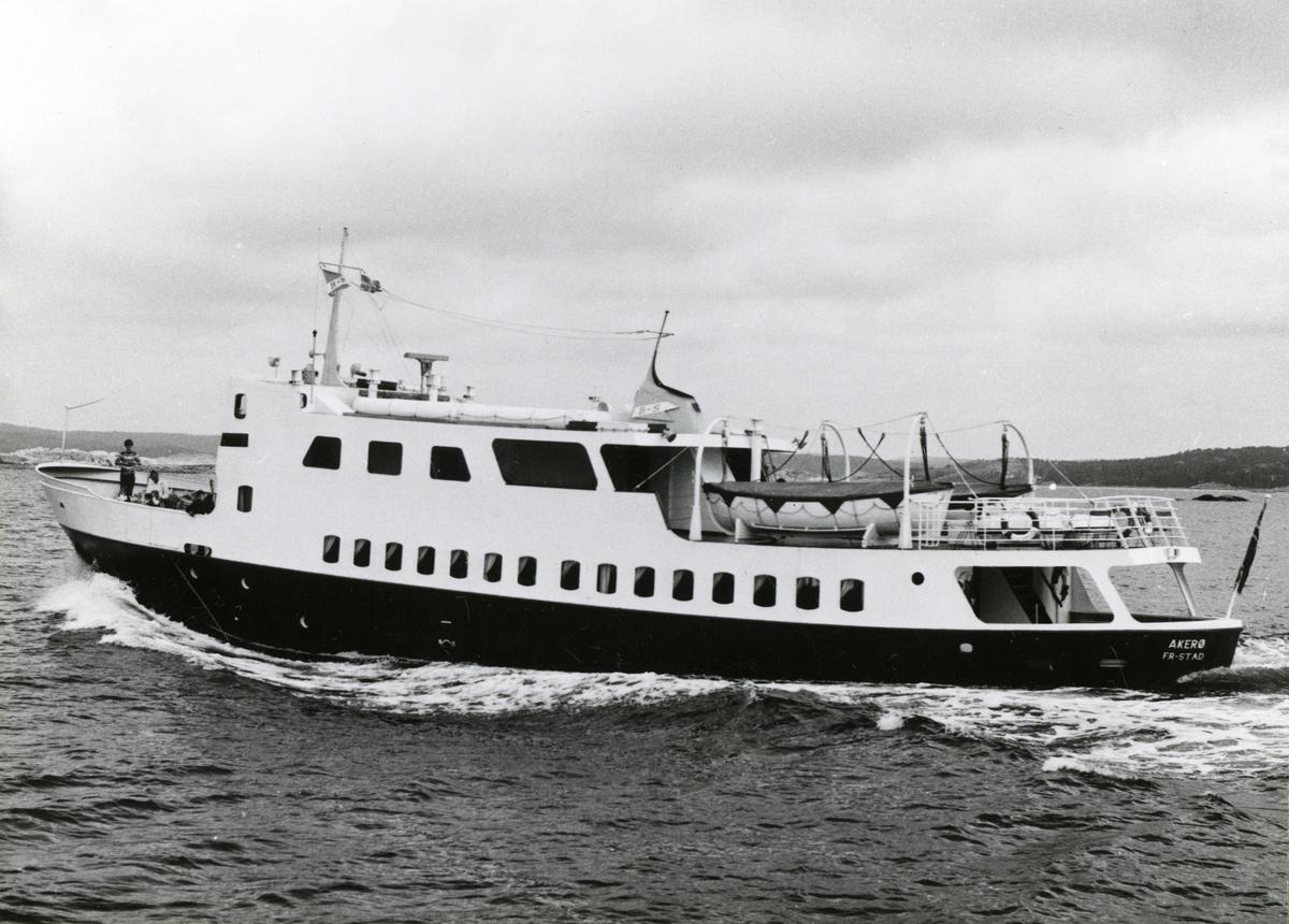 M/S Akerø (b.1961) ved Sekken, nær svenskegrensen.