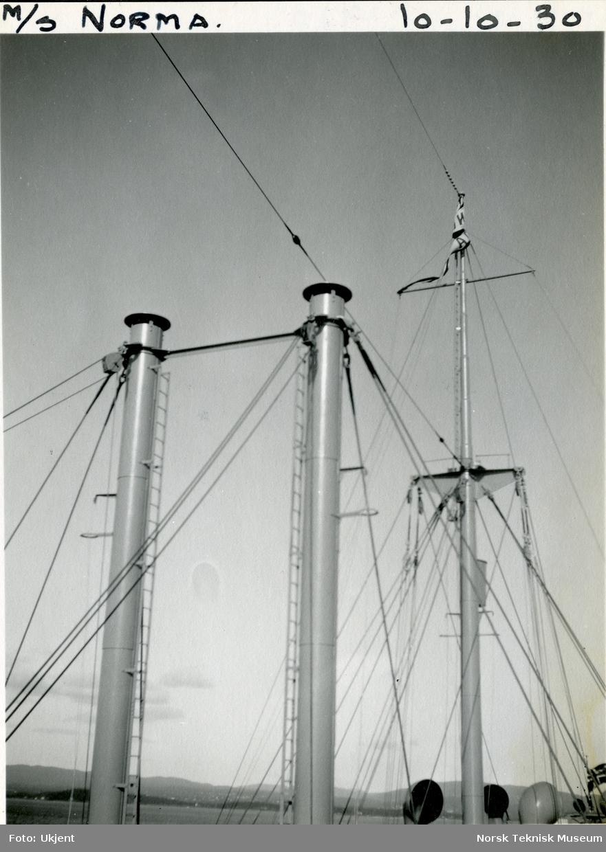 Riggen på lastebåten M/S Norma, B/N 446 10. oktober 1930 under prøvetur i Oslofjorden. Skipet ble levert av Akers mek. Verksted i 1930 til J. L. Mowinckel, Bergen.