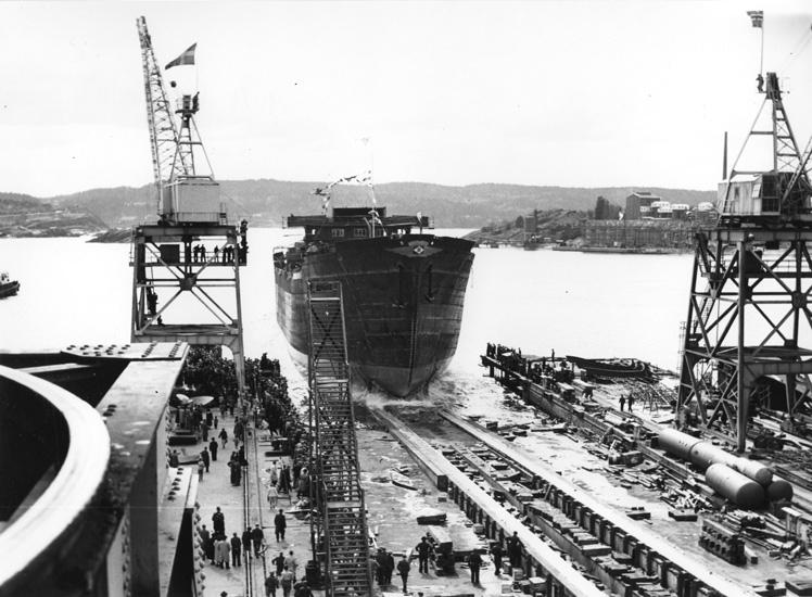 Dop och sjösättning av fartyg 129 M/T Braconda.