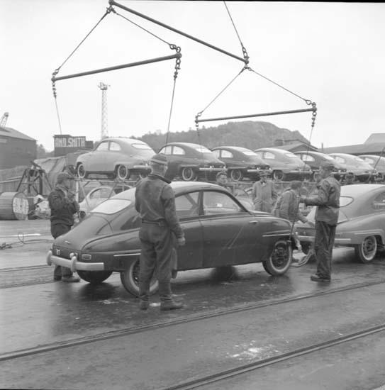 Lastning i Uddevalla hamn i maj 1958 av bilar tillverkade på Saab-fabriken i Trollhättan