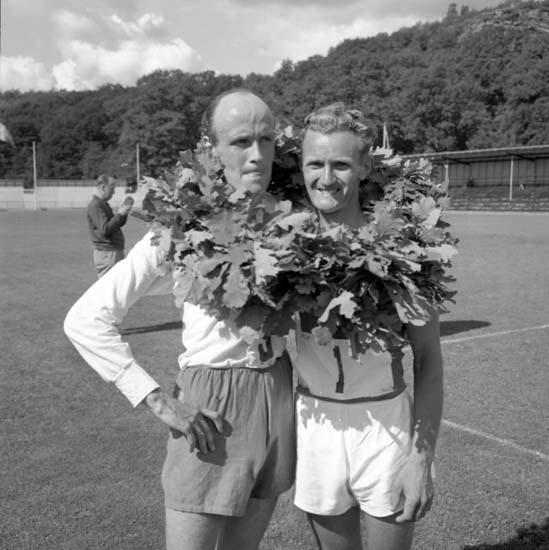 """Enligt notering: """"Gånglandskampen Sverige - Tyskland 10/8 -58""""."""