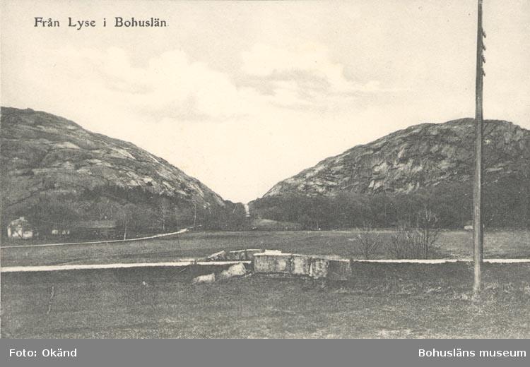 """Tryckt text på kortet: """"Från Lyse i Bohuslän"""". ::"""