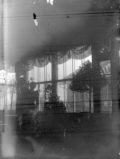 """Enligt text som medföljde bilden: """"Lysekil. LV L.L.S.1898"""". ::"""