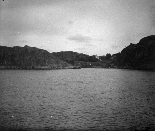 """Enligt text som medföljde bilden: """"Från Ellösfjorden"""". ::"""