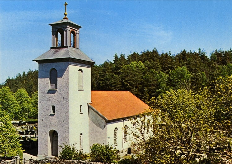 """Text på kortet:""""Valla kyrka i Göteborgs stift. Invigd 1861. Ersatte tidigare kyrka från 1200-talet""""."""