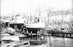 """Enligt fotografens notering: """"Lyckans slip Fiskebäck. 1963""""."""