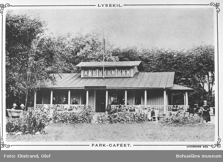 Text på bilden: Lysekil. Park-cafeet.