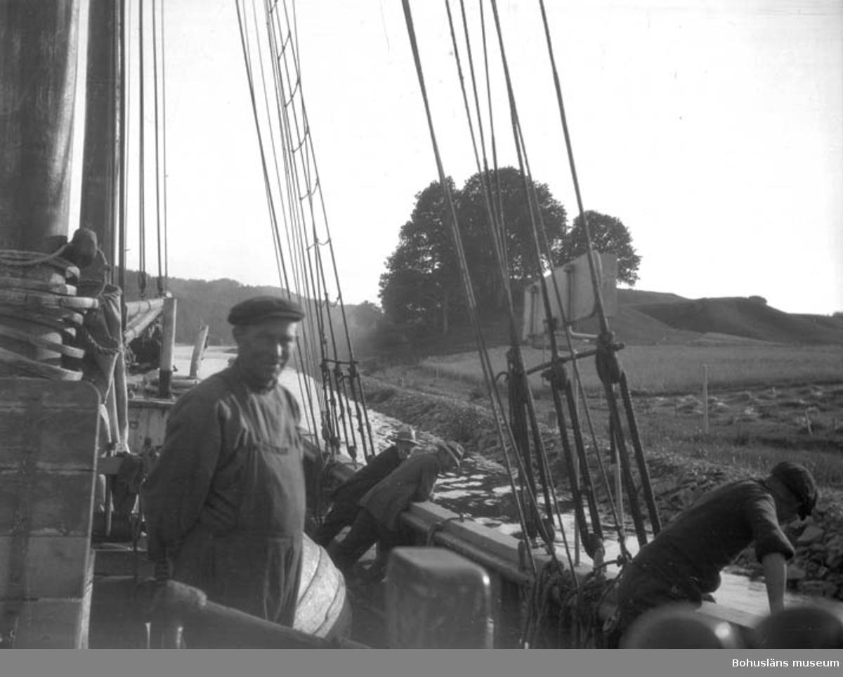 """Text till bilden: """"Däckbild. Segelfartyg""""."""